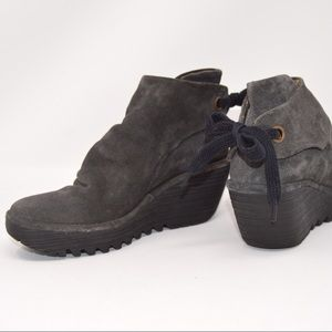 FLY LONDON Yebi Suede Slouch Wedge Bootie Gray